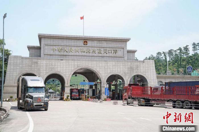 中国—东盟合作增势强劲 各方吁通路兴百业